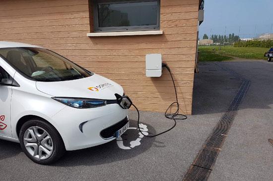 Borne pour voiture électrique pour vos salariés et vos véhicules de service