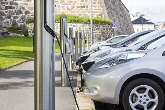 Des bornes de recharge électriques à usage partagé